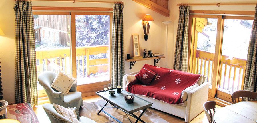 france_three-valleys-ski-area_courchevel_chalet-lozes-verdons_lounge.jpg